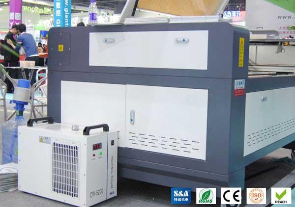 چیلر صنعتی برای دستگاه های لیزر